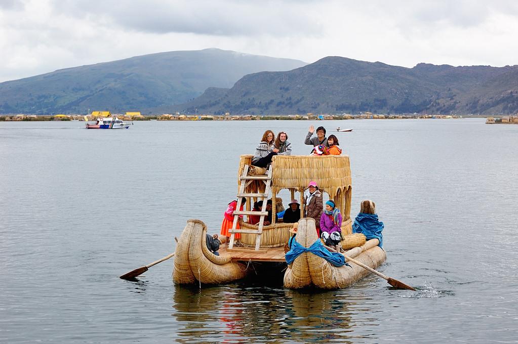 Кораблики для туристов