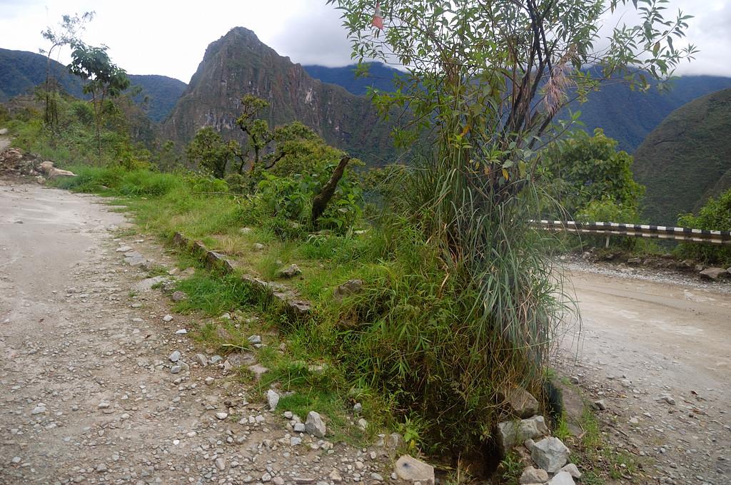 На горном серпантине по дороге на Мачу-Пикчу