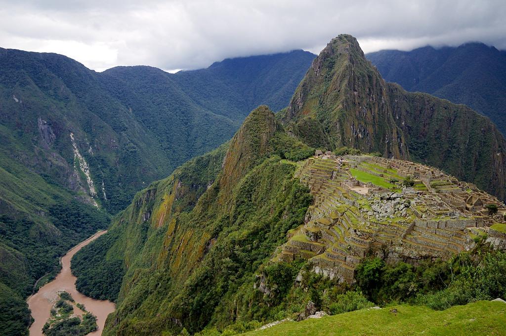 Мачу-Пикчу и река рядом с ним