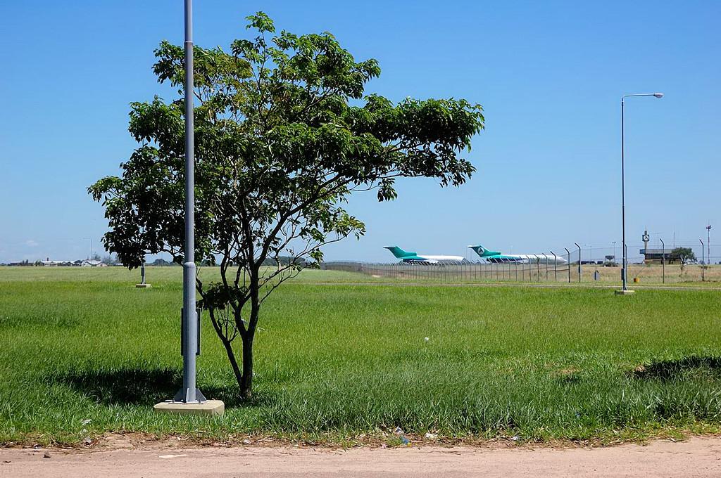 В аэропорту Виру-Виру у Аэросура сохранилось еще немало Боингов-727