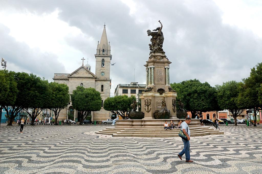 На центральной площади Манауса