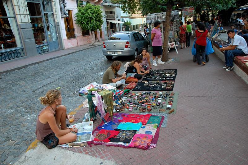 Блошиный рынок на Плаза Доррего