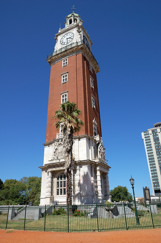 Башня Торре Монументаль