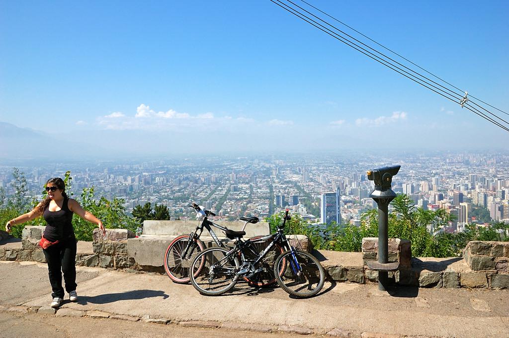 Смотровая площадка на холме Сан-Кристобаль