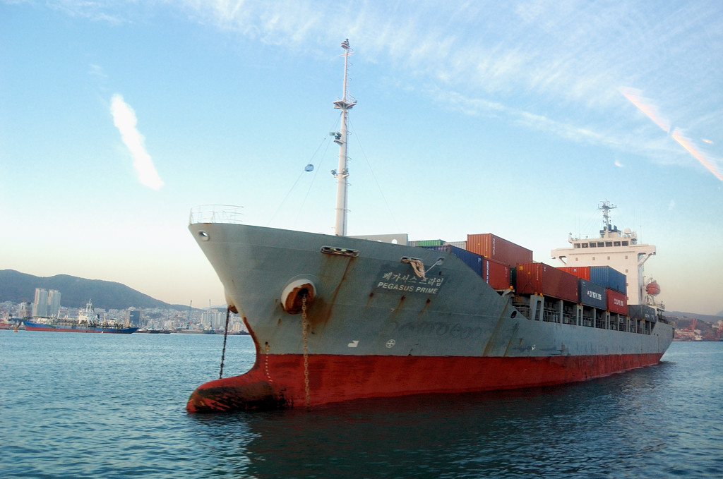 В порту Пусан