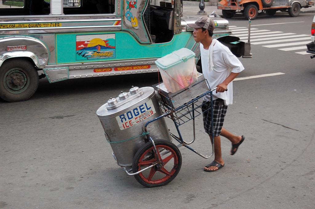 На улицах Манилы