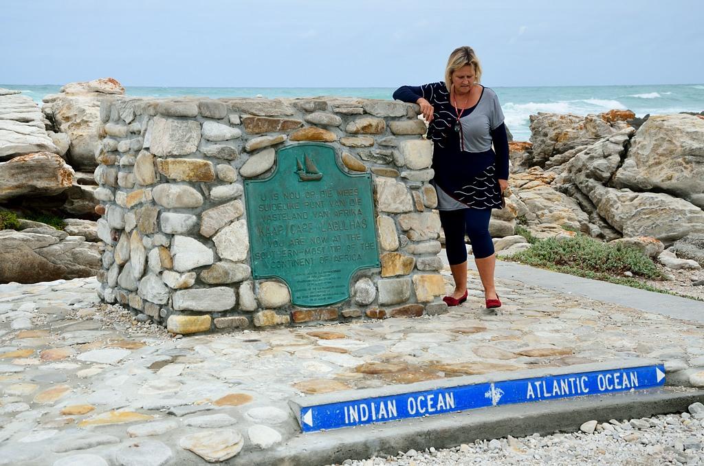 Памятный знак на самой южной точке Африки