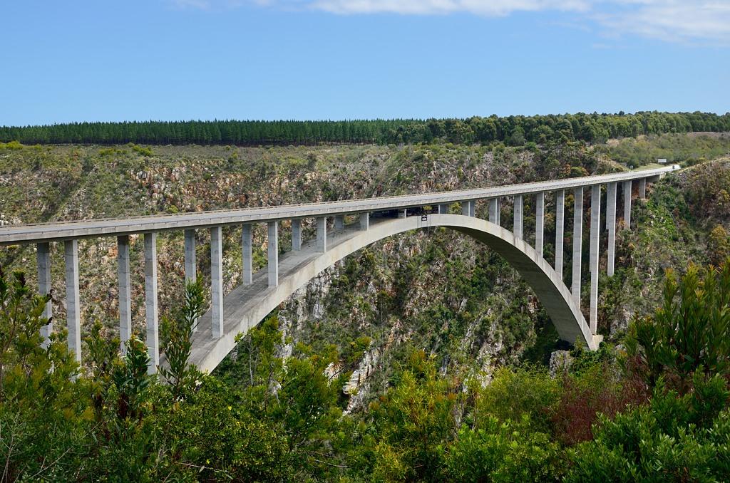 А вот и знаменитый мост Блоукранс