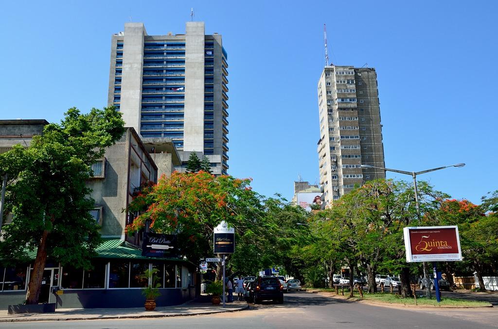 Типичная застройка в центре Мапуту