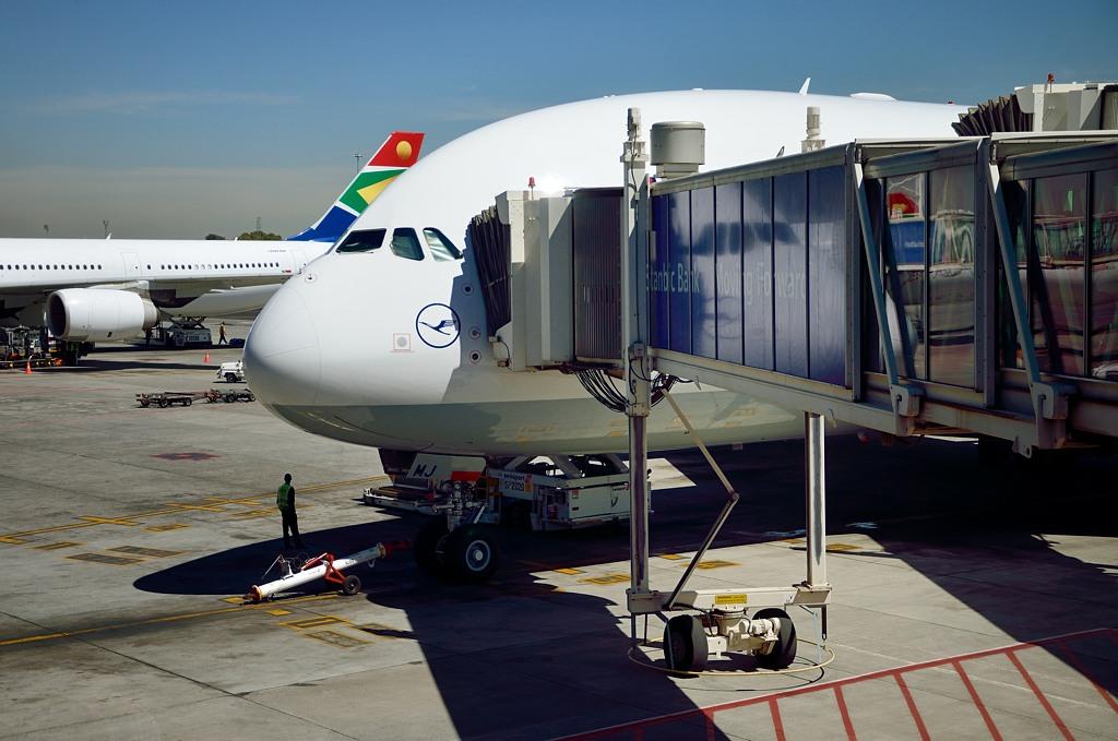 Наш A-380 в аэропорту Oliver Tambo