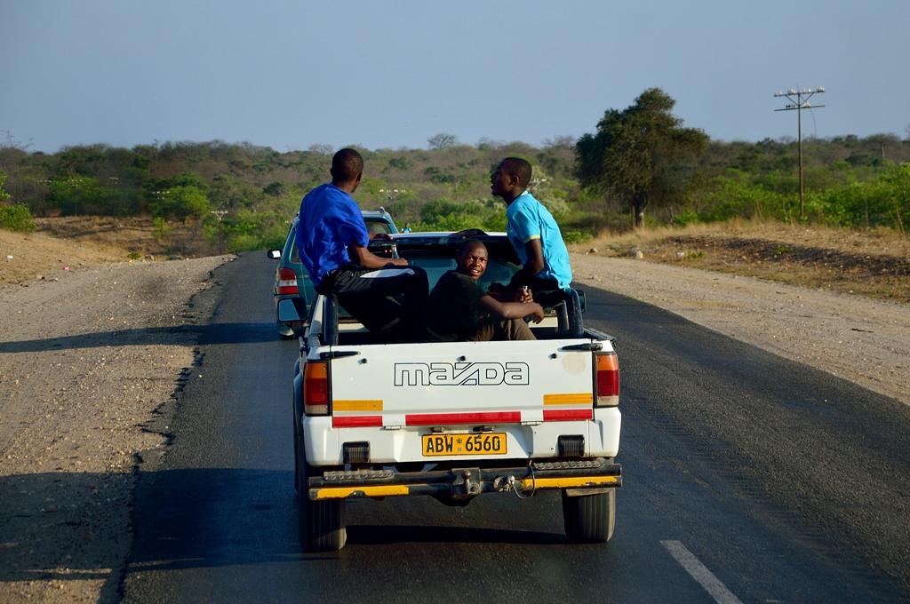 Зимбабвийцы на Мазде