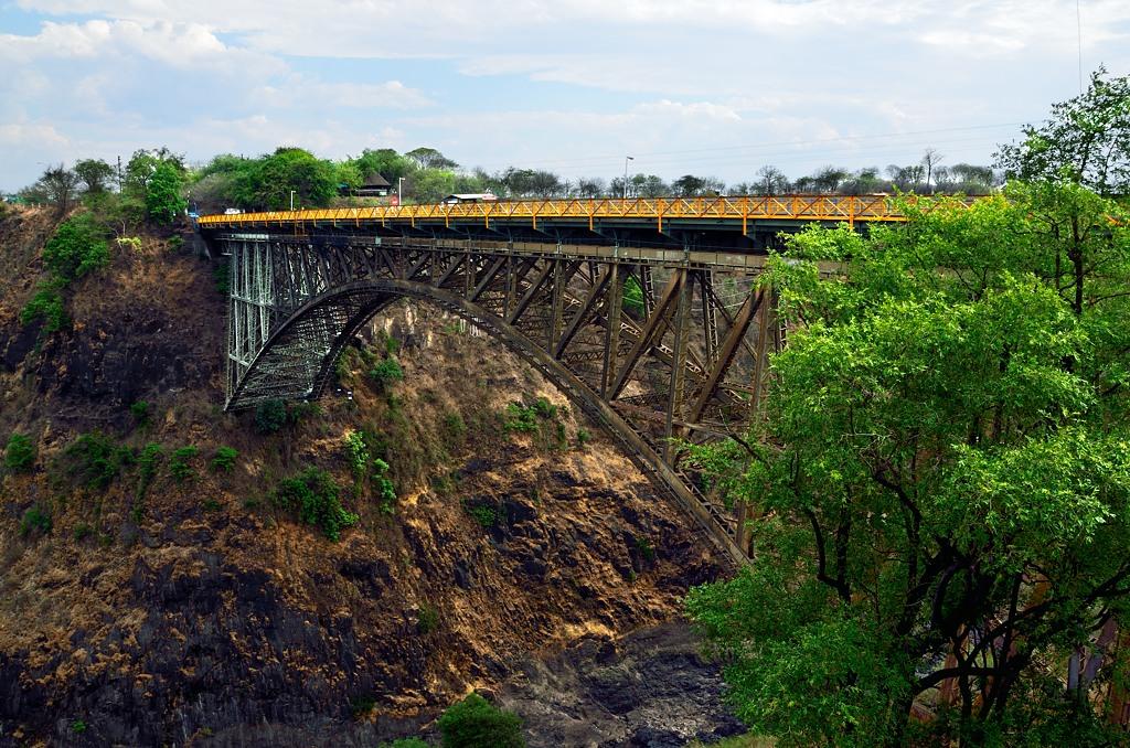 Мост, ведущий из Зимбабве в Замбию