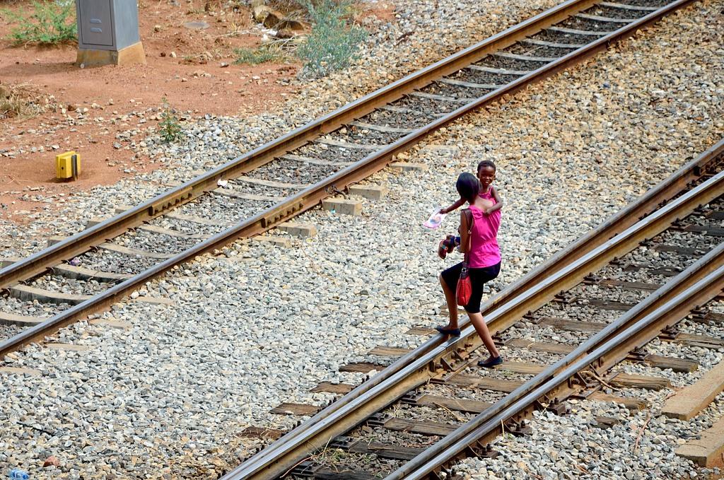 Переход железной дороги в неположенном месте