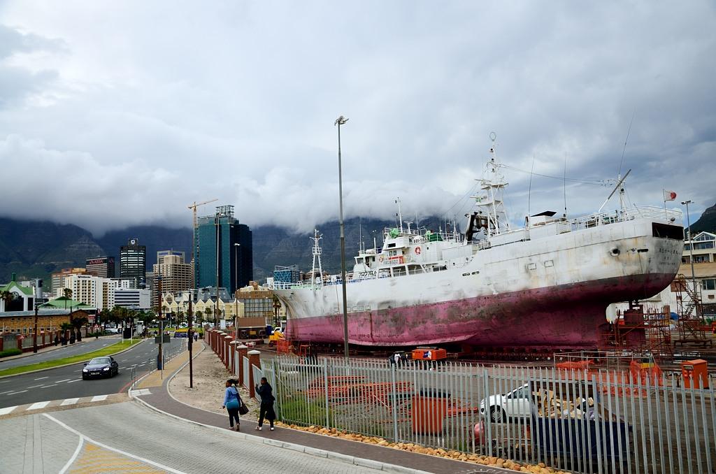 Ремонт кораблей прямо в центре города