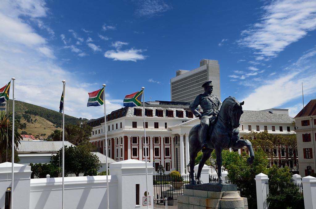 Памятник генералу Луису Боте, герою Англо-Бурской войны и завоевателю Намибии