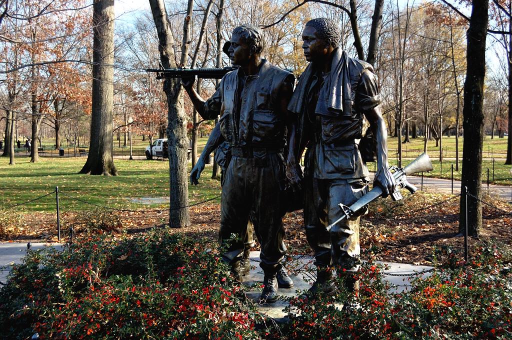 Памятник участникам войны во Вьетнаме