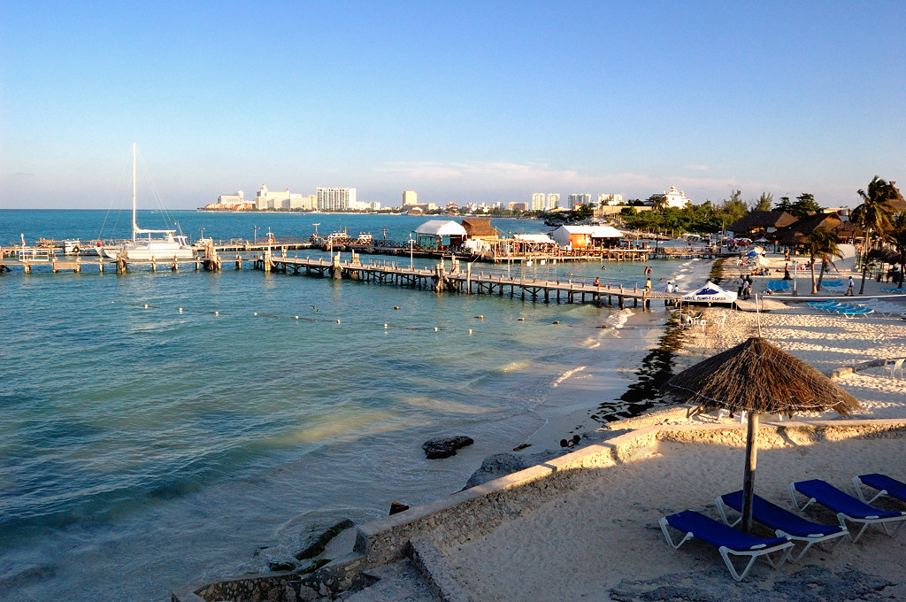 Канкун. Пляж у отеля Dos Playos
