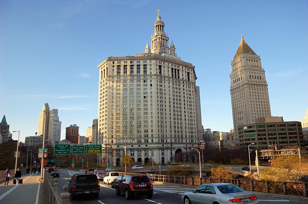 Municipal Building у Бруклинского моста