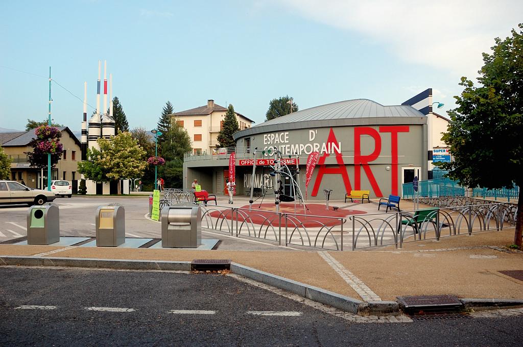 В городке Бур-Мадам (Bourg-Madame)
