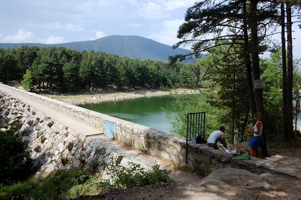 Озеро Энголастерс. У дамбы
