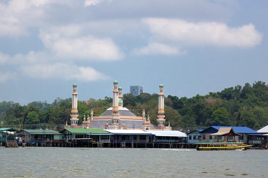 Деревня на воде. Мечеть