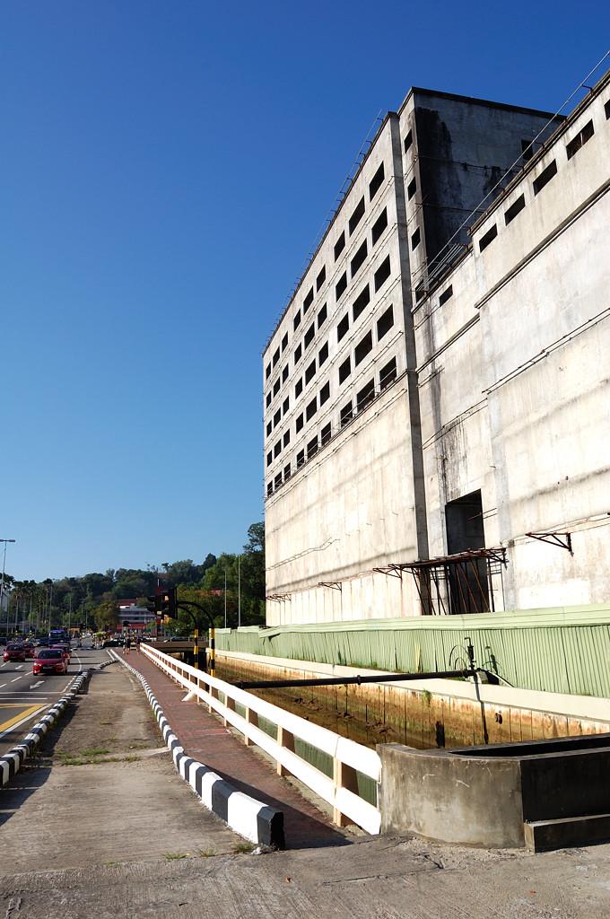 Свои долгострои есть и в Брунее