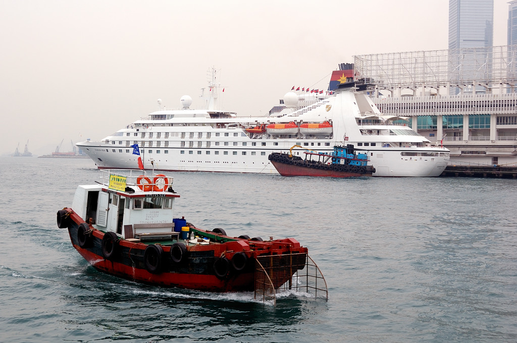 Корабли в проливе Виктории