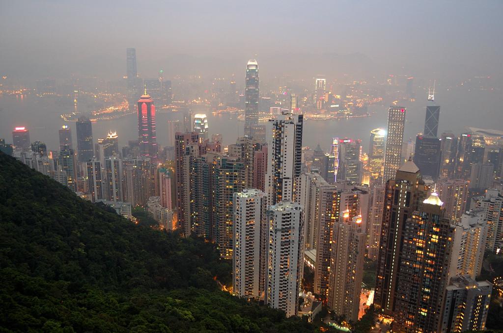 Вид на небоскребы Гонконга с Пика Виктории
