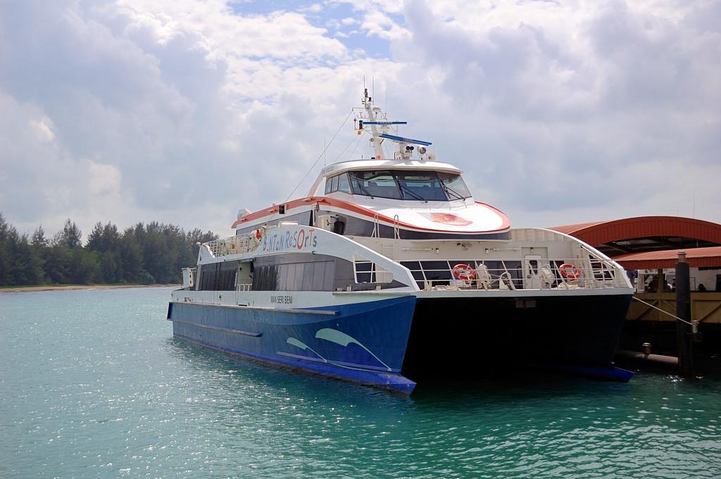 Катер с Сингапура на остров Бинтан