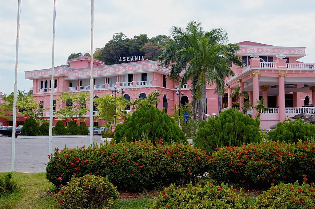 Отель Aceania