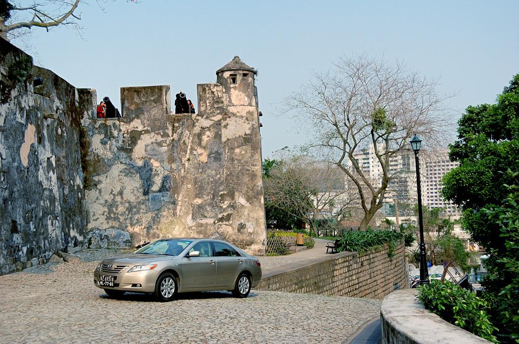 Португальский форт на горе над Макао