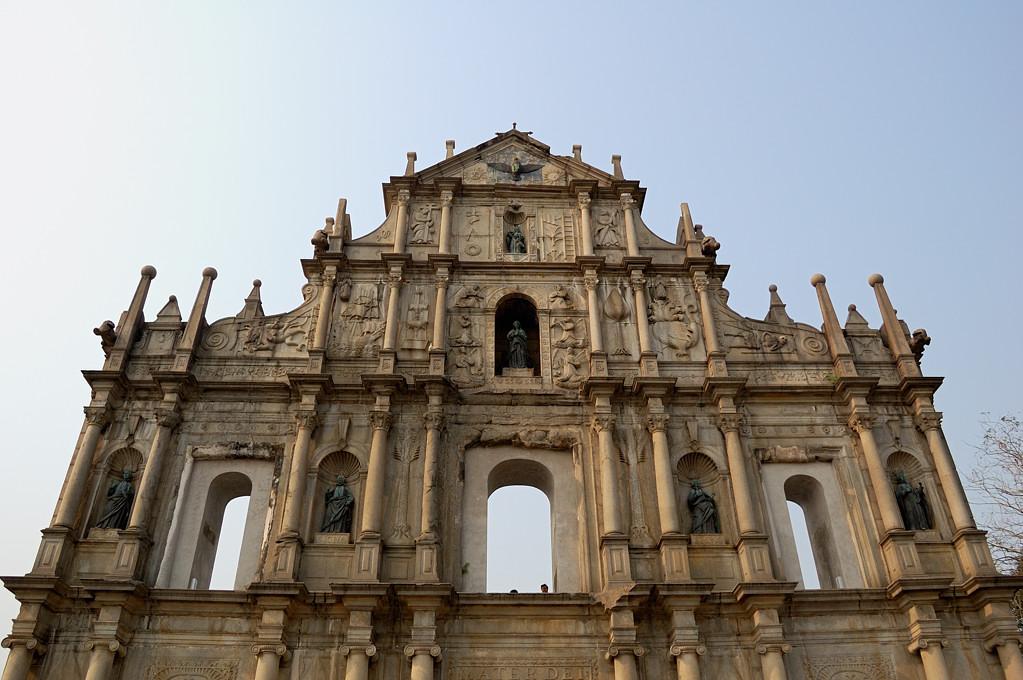 У руин собора Св. Павла (1602)
