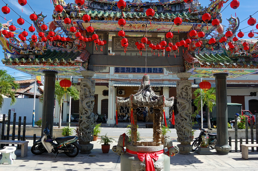 Джорджтаун. У входа в китайский храм