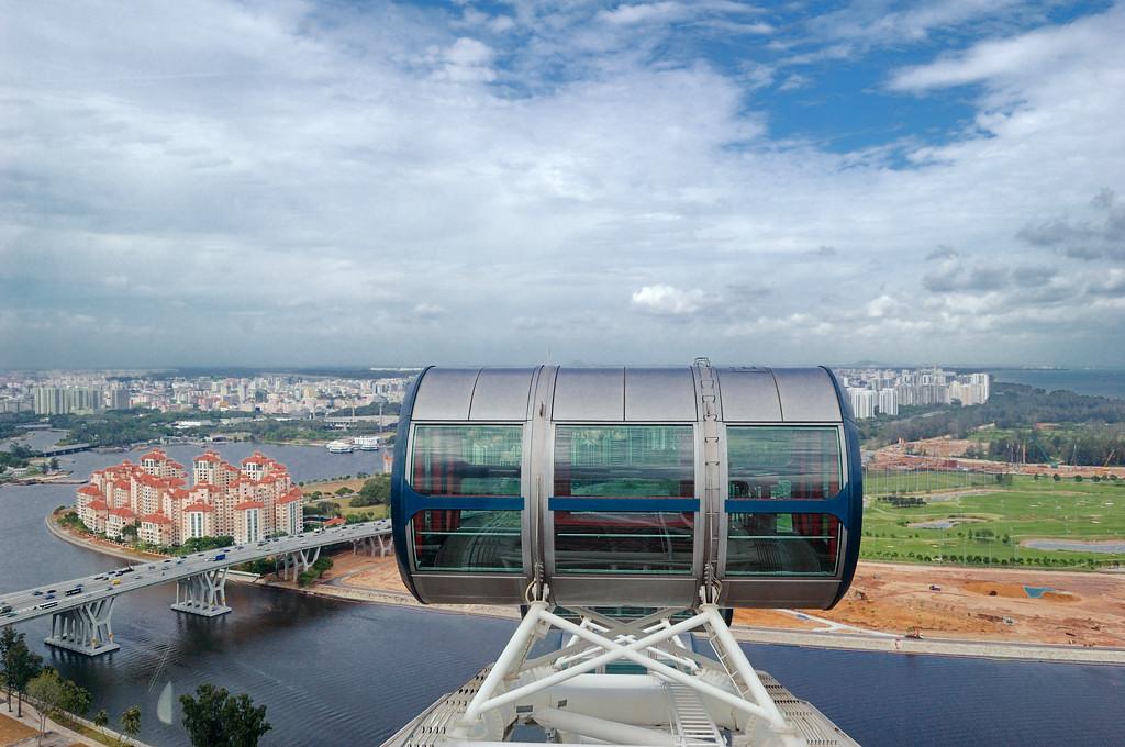 Кабинка Singapore Flyer