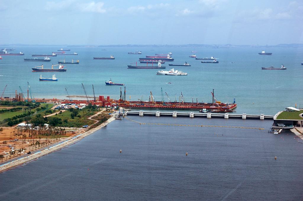 Корабли в Малаккском проливе. Тысячи их...
