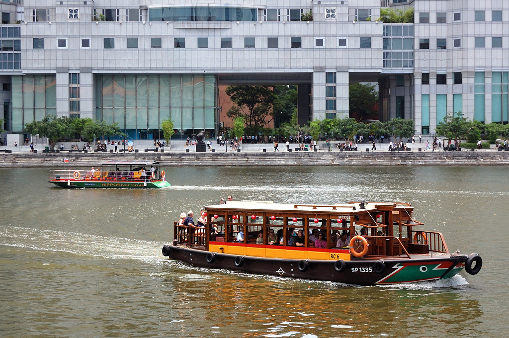 Кораблики на реке
