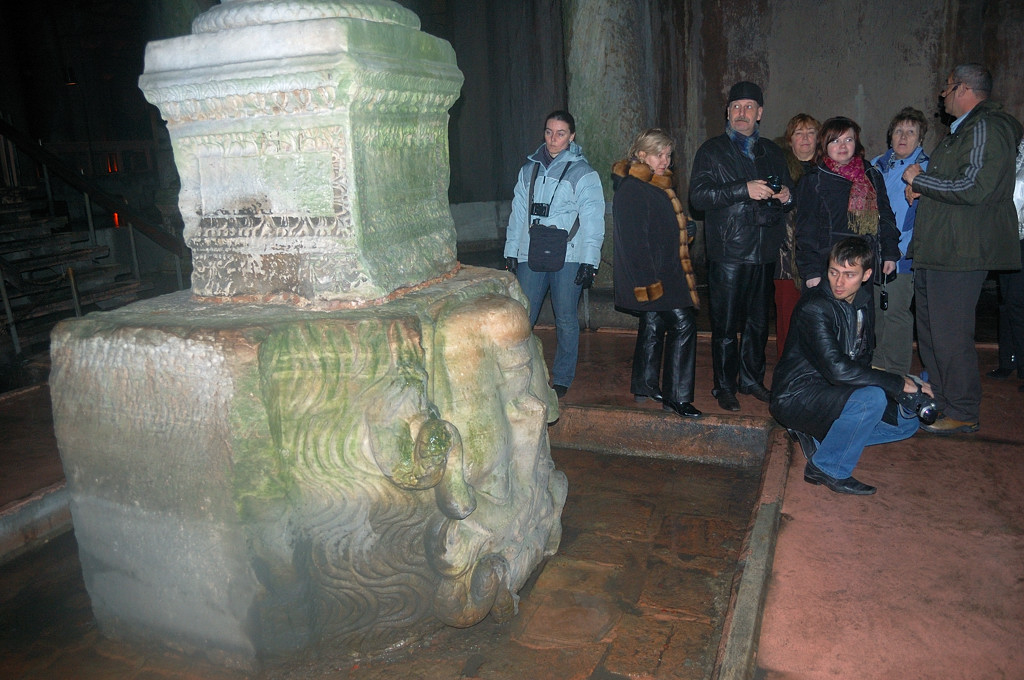 Базилика Цистерна. Голова Медузы
