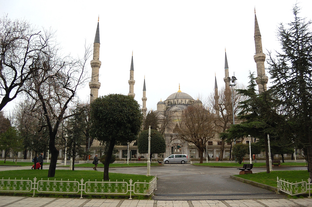У Голубой мечети