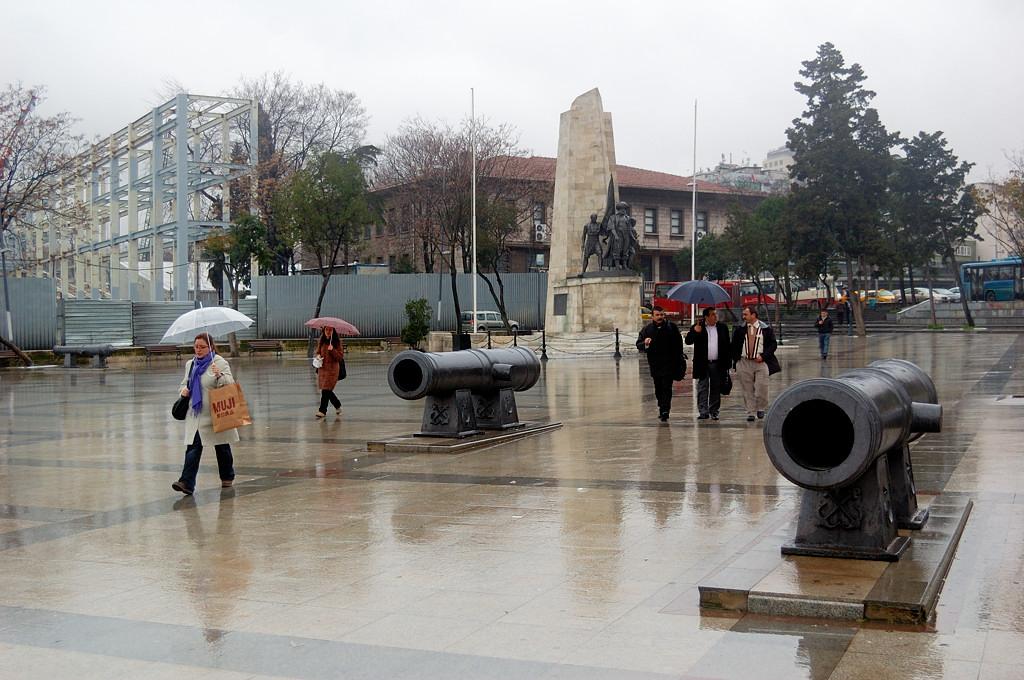 Памятник турецкому пирату и флотоводцу Хайр-ад-Дину Барбароссе (1475-1546)