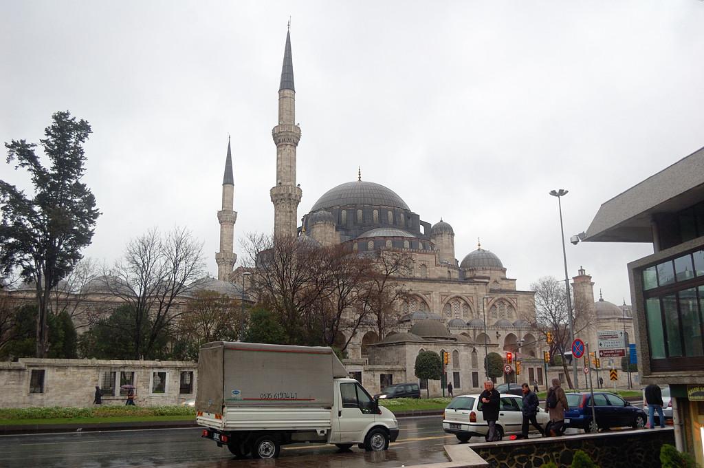 Еще одна мечеть - Шахзаде. Их тут тысячи :)