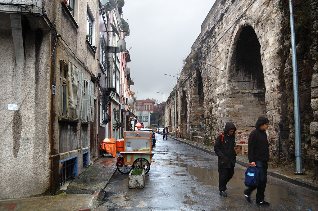 Римский акведук Валента