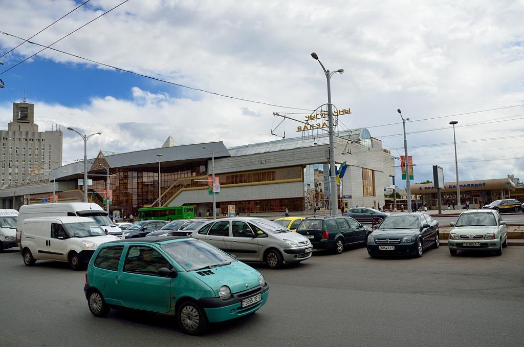 """Чыгуначны вакзал. Знаете основное правило белорусского языка? ЖЫ-ШЫ пиши с буквой """"Ы"""" :)"""