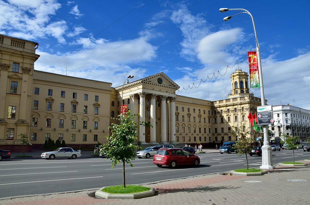 А это - страшное белорусское КГБ! Даже название не сменили