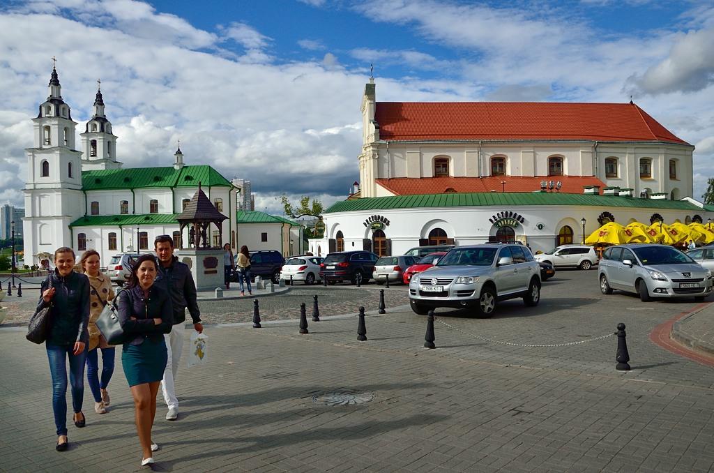 Отреставрированный старый город в Минске маленький, но красивый