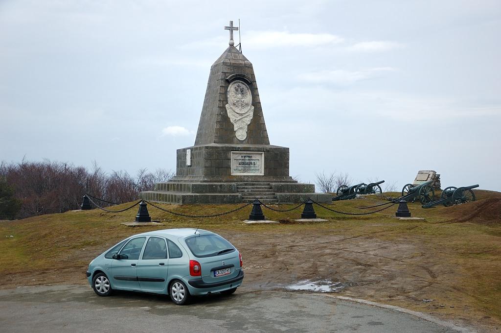 Еще один памятник русским солдатам