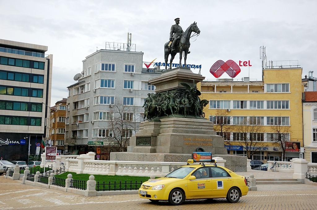 Памятник Александру II на проспекте Царя-Освободителя