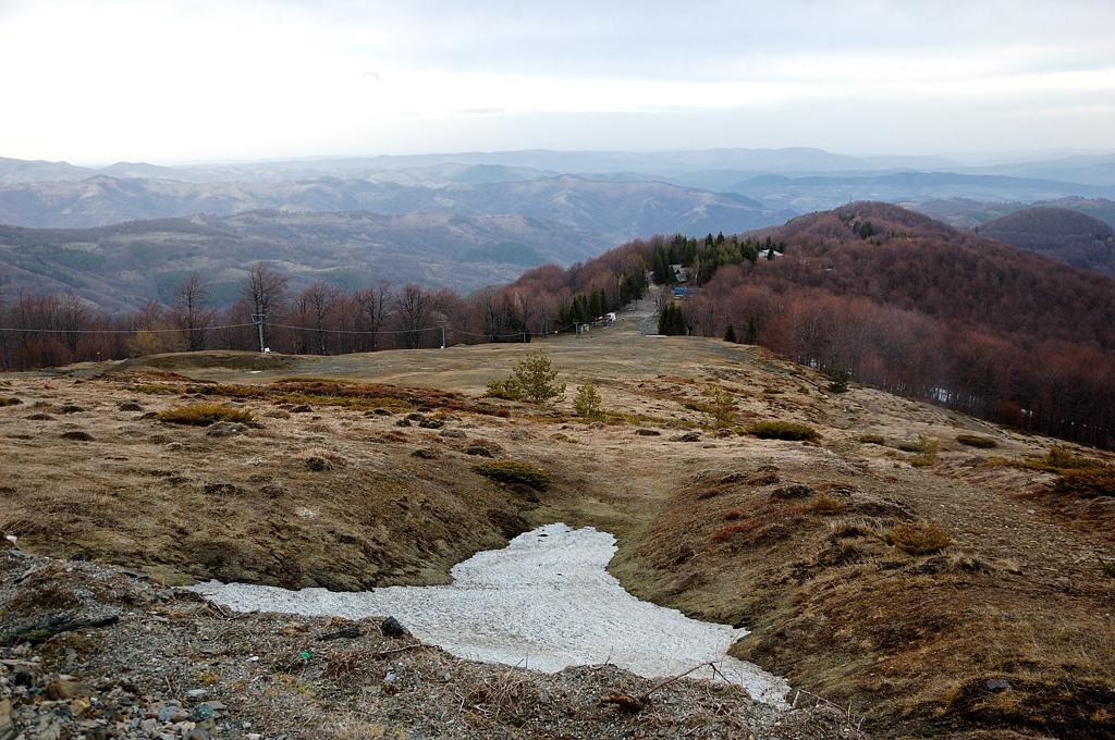 Зимой тут катаются на лыжах, но сегодня уже 31 марта