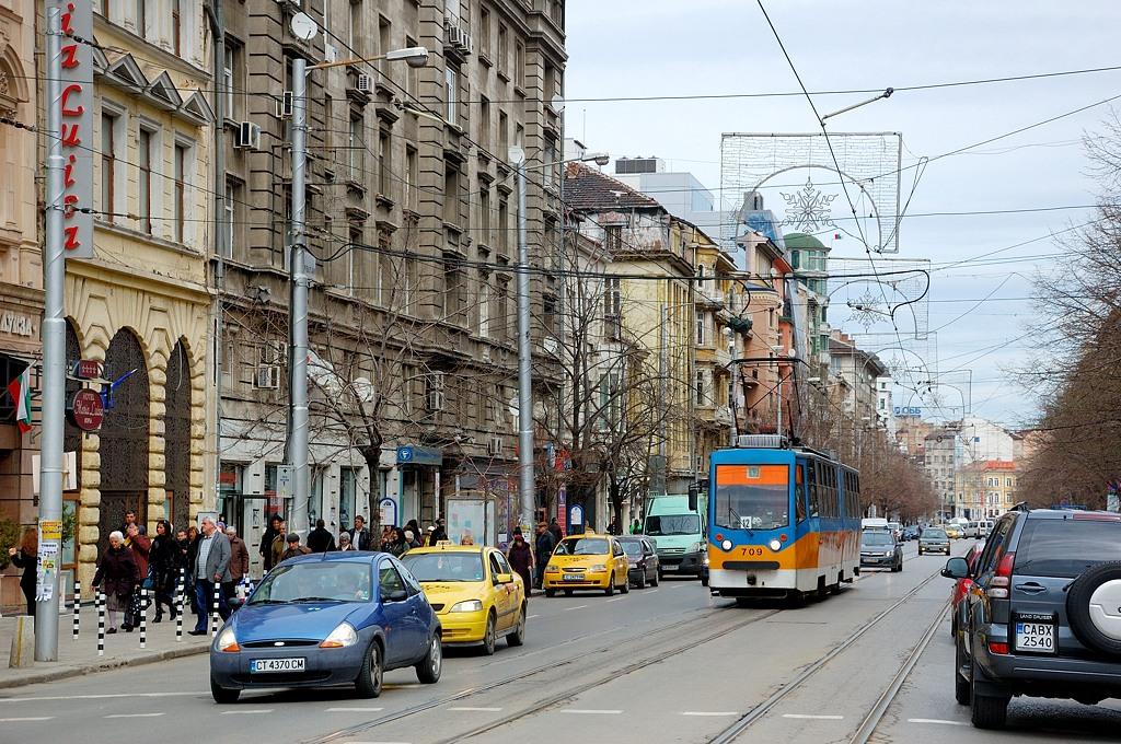 Трамвай - очень популярный транспорт в Софии