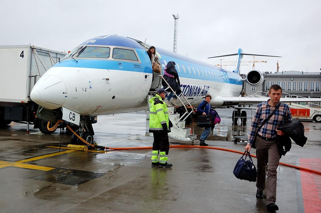 Из Киева в Таллин летели вот на таком самолетике Estonian Air