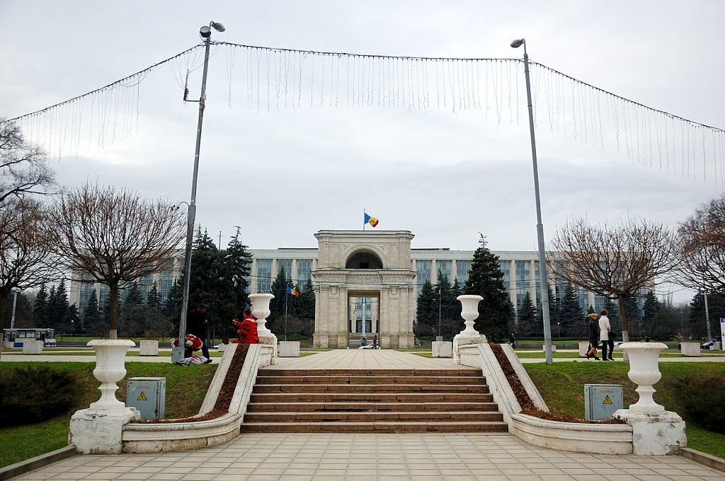 Триумфальная арка. Построена в 1841-м году в честь победы над Турцией
